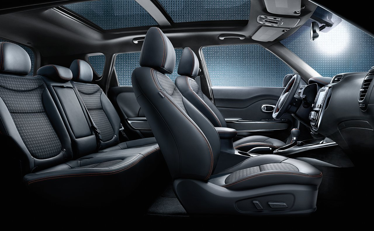 2018 Kia Soul front and rear seats