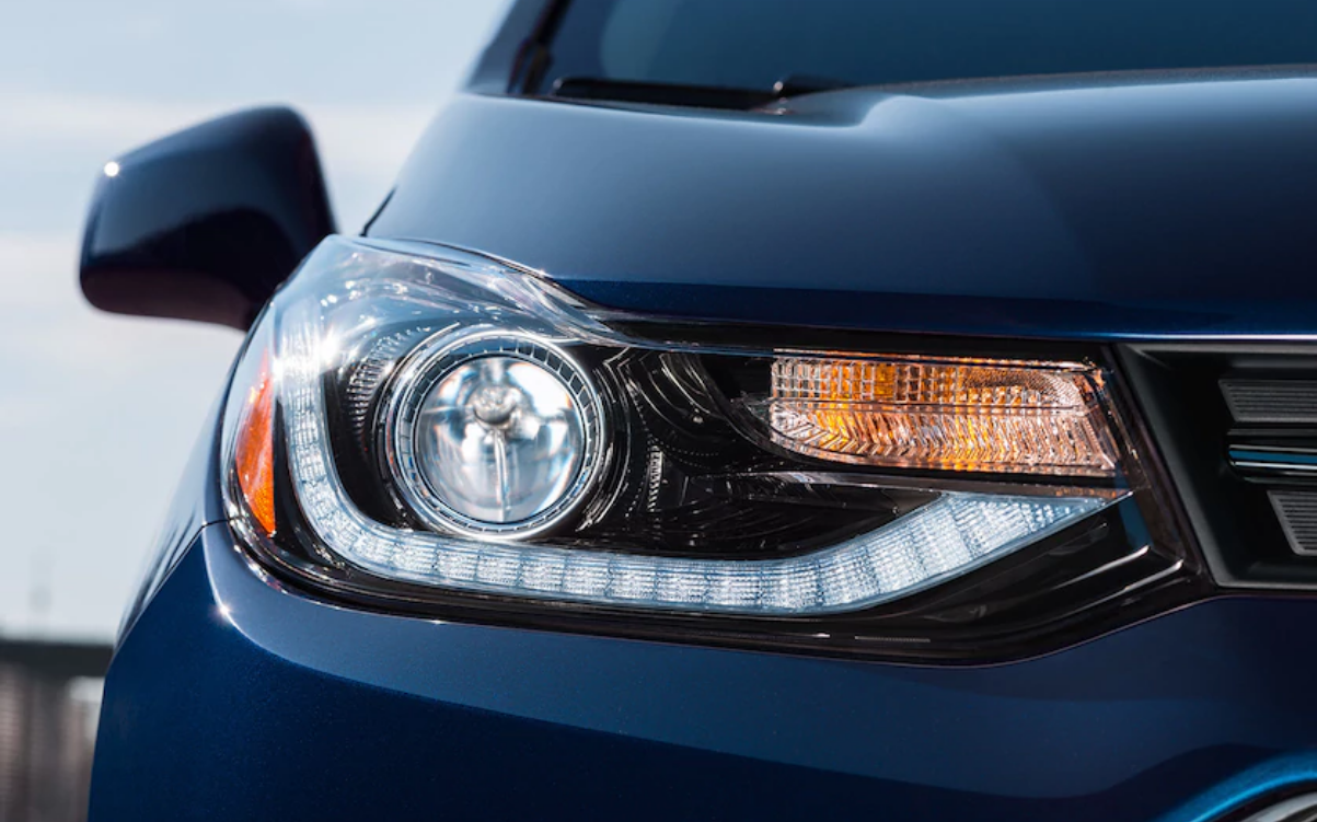 2018 chevrolet trax front headlight